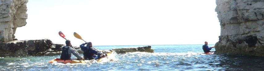 Kayaking at Old Harry Rocks (studlandseaschool.co.uk)