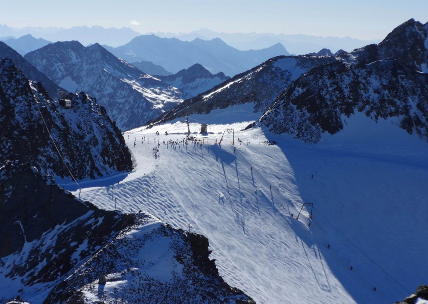 Windachfer piste at the top of Stubai Glacier