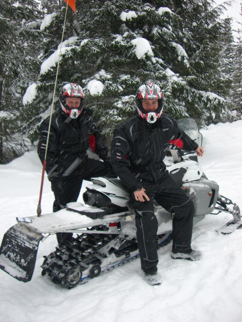 snowmobiling-whistler-1