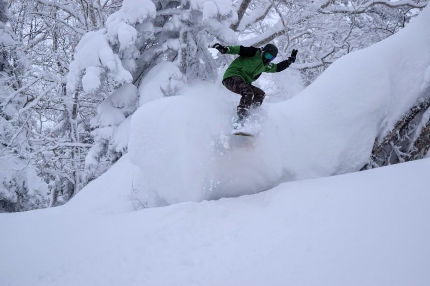 snowboarding in powder japan kiroro