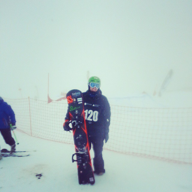 snowboarder chilling with low visibility